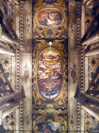 Trompe l'oeil paintings which decorate t|...